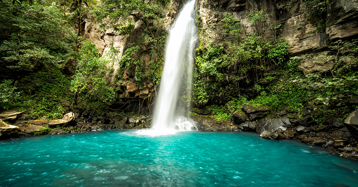 Las maravillas naturales de Costa Rica no tienen paralelo. Asegúrate de explorarlas de forma segura con las vacunas de viaje y los consejos de Passport Health.