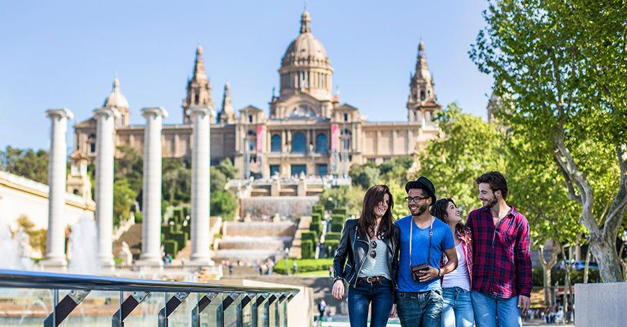 España es un destino muy popular, pero tambien requiere algunas vaccunas.