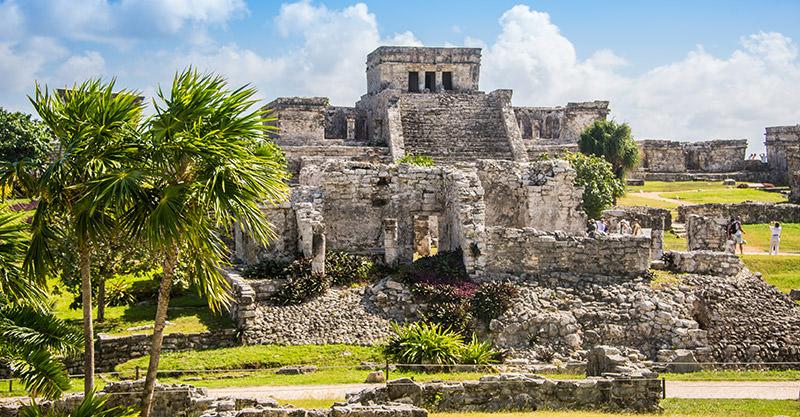 Los sitios arqueologicos mayas son destinos importantes y divertidos.