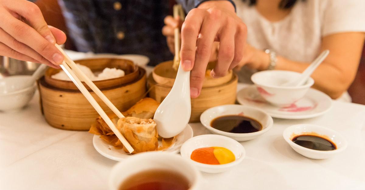 Higiene en el consumo de alimentos para viajeros