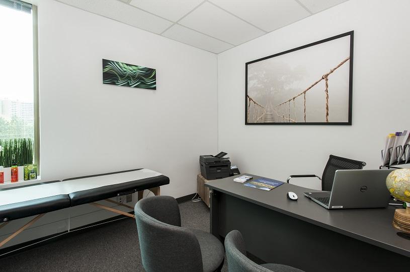 Clinique-Santé Voyage Mississauga Salle de consultation