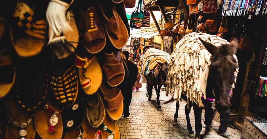 Les médinas du Maroc sont une vue incroyable pour tous les types de voyageurs.