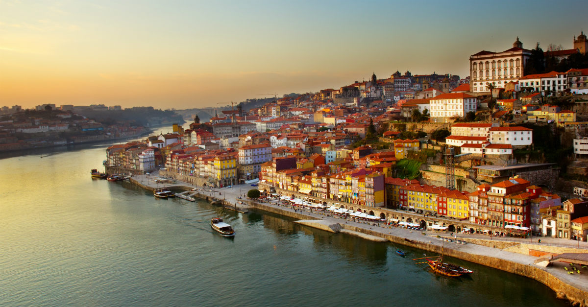 Culture, stunning architecture and lower prices than nearby Spain? Porto is an amazing alternative for the holidays.