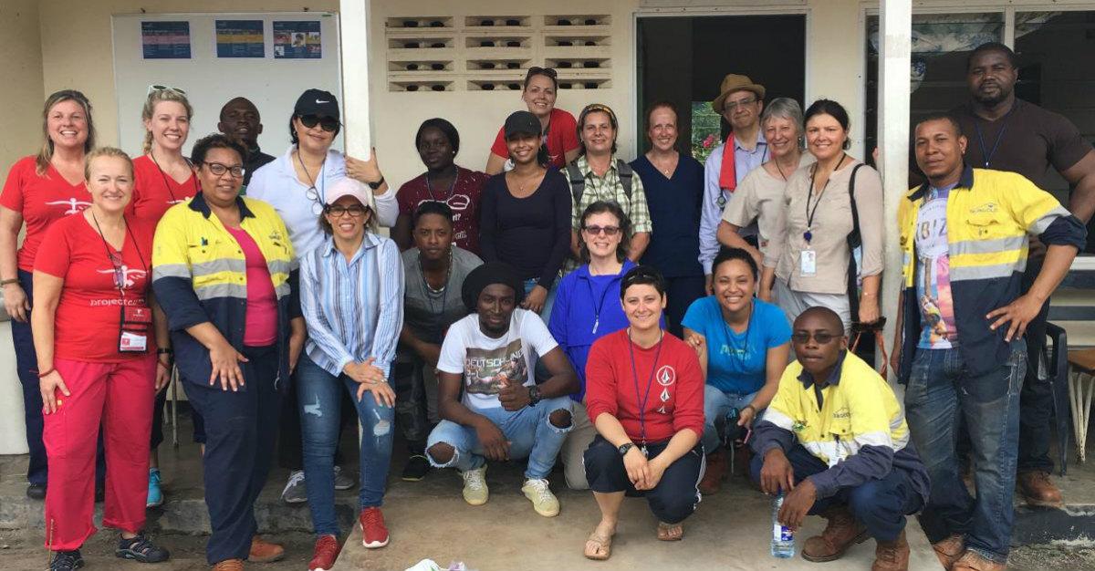 Enfermeras de Passport Health brindan atención médica en Surinam