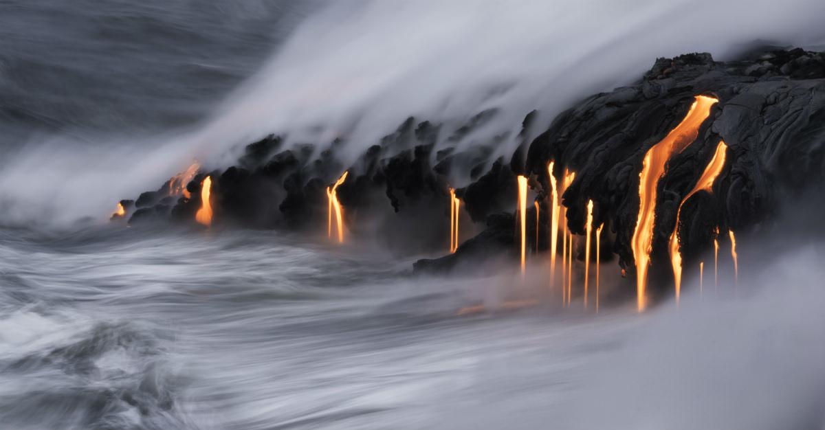 Les volcans s'étendent dans toutes les îles, créant un paysage unique au monde.