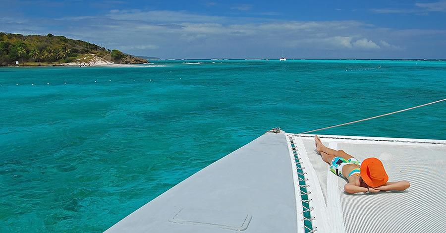 St. Vincent and Grenadines travel destination advice.