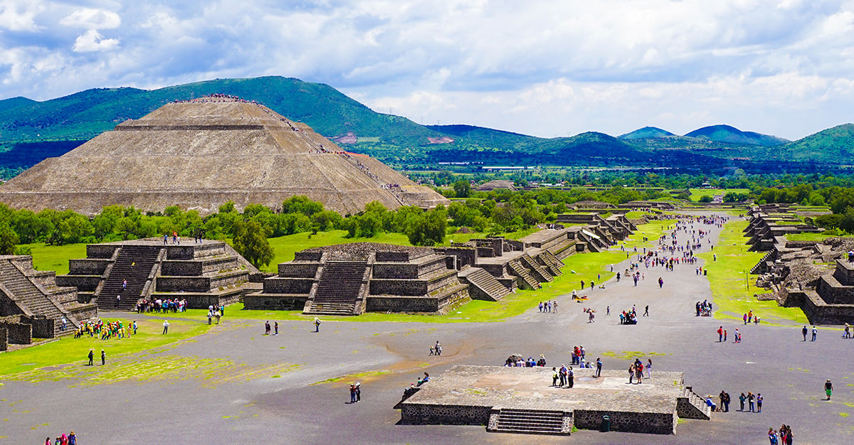 Conoce las pir mides de teotihuac n passport health for Espectaculo de luces teotihuacan 2018