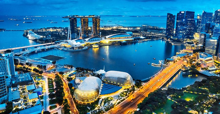 Singapour est une destination populaire pour ses zones urbaines. Assurez-vous de les explorer en toute sécurité grâce aux vaccins et aux conseils de voyage de Passport Health.