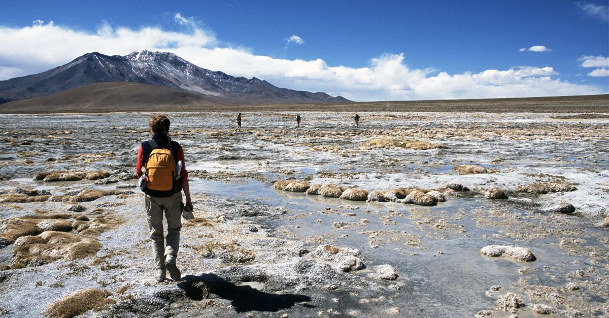 Landscapes like the Atacama Desert make Chile perfect for tourists who are alone and want to explore.