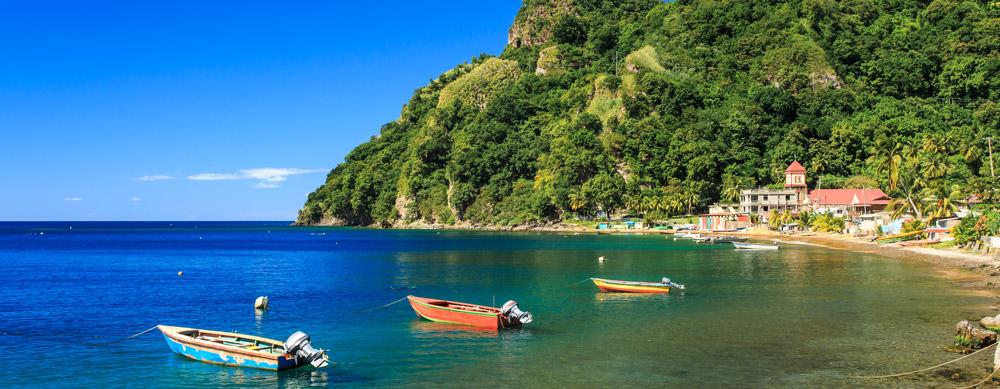 Dominica tiene de todo para explorar. Asegúrate de ir en forma segura con tus vacunas de viaje y los consejos de Passport Health.